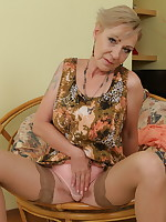 Horny mature slut playing with herself - Granny Girdles